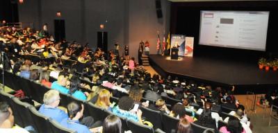 Más de 650 líderes estudiantiles universitarios, de las instituciones miembros de HETS, se dieron cita en el evento.
